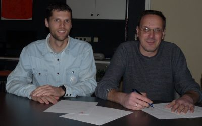 Ferdinand van de Lang ondertekend zijn contract