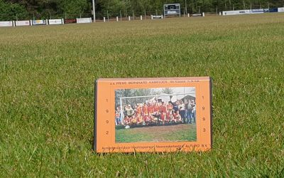 Seizoen 1992-1993: sv Prins Bernhard Kampioen 4     klasse B KNVB